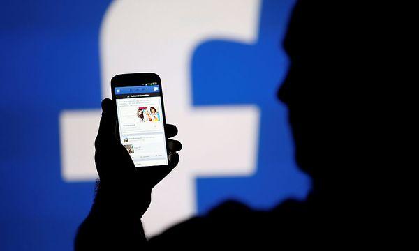 Vor allem in sozialen Netzwerken werden postfaktische Informationen geteilt. / Bild: (c) REUTERS (DADO RUVIC)