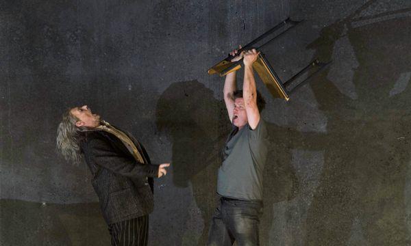 Marcel Beekman (Mime), Daniel Brenna (Siegfried) / Bild: (c) Herwig Prammer / Theater an der Wien