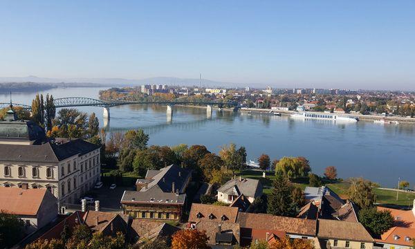 (C) Scherl, Donau Touristik Esztergom.