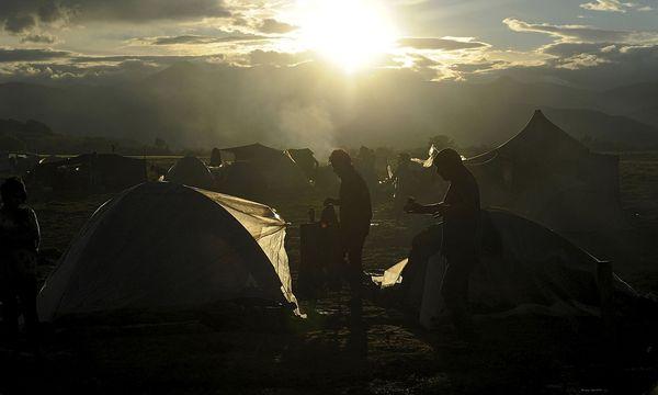 Archivbild: In Griechenland sitzen immer noch Tausende Flüchtlinge fest (Archivbild aus dem Vorjahr) / Bild: REUTERS