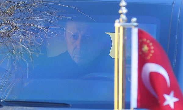 Erdogan will die Verfassung nach seiner Facon zurechtschneiden. / Bild: (c) REUTERS (YAGIZ KARAHAN)