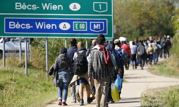 Im Rahmen des EU-Relocationprogramms sollen 200.000 Flüchtlinge umverteilt werden. / Bild: REUTERS/Leonhard Foeger/File Photo