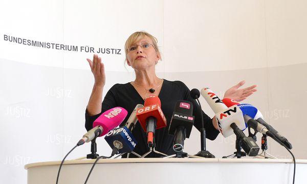 Beatrix Karl / Bild: (c) APA/HELMUT FOHRINGER (HELMUT FOHRINGER)