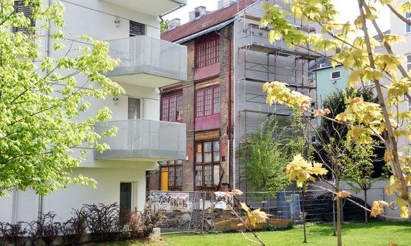 Neue und alte Architektur treffen in dieser Siedlung auf der Margaretenstraße aufeinander.  / Bild: (c) Die Presse (Clemens Fabry)