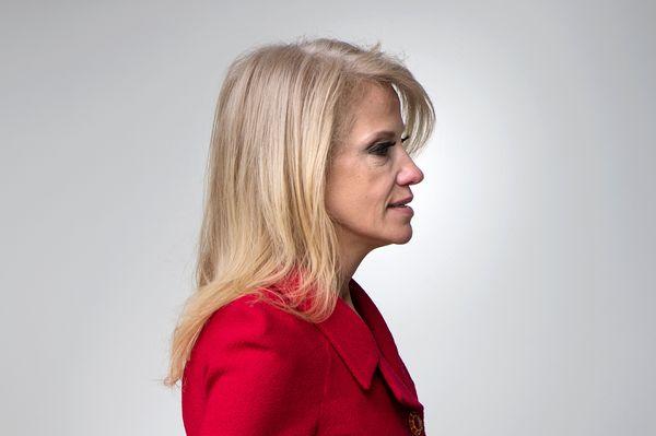 Kellyanne Conway nimmt es mit der Wahrheit nicht gar so genau (Foto: im Weißen Haus). / Bild: (c) APA/AFP/BRENDAN SMIALOWSKI (BRENDAN SMIALOWSKI)