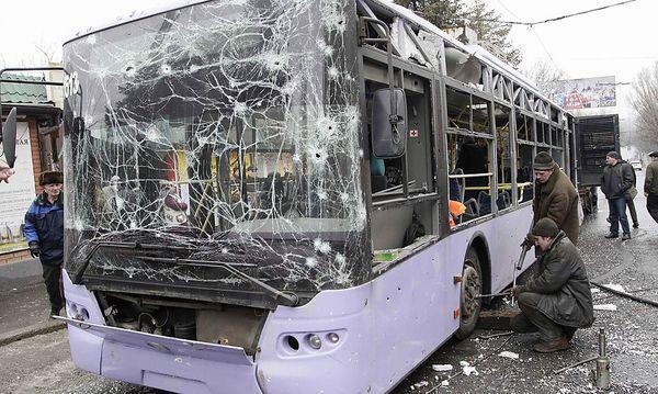Beim Granateinschlag starben mehrere Menschen  / Bild: REUTERS