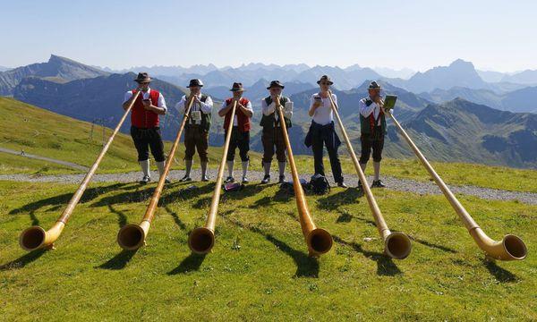 Alphornbläser am Diedamskopf in Vorarlberg / Bild: (c) imago