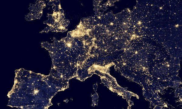 Aus dem Orbit sind Grenzen ohnehin nicht sichtbar. Europa ist zwar klein, aber relativ dicht besiedelt. / Bild: Reuters