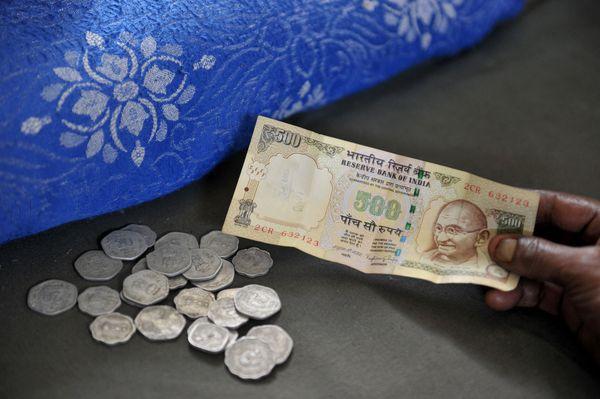 Indiens Premier Narendra Modi will Bargeldreform Korruption und Schwarzgeld bekämpfen. / Bild: (c) APA/AFP/NOAH SEELAM