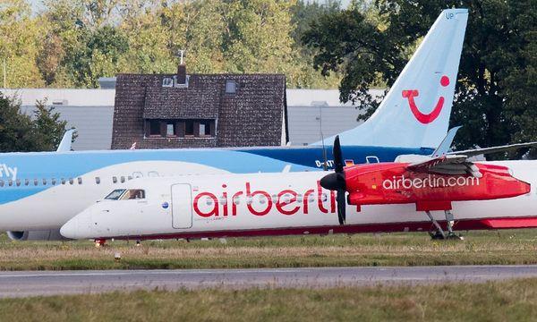Air Berlin ist nach den gescheiterten Gesprächen mit TUI am Boden / Bild: APA/AFP/dpa/JULIAN STRATENSCHULT