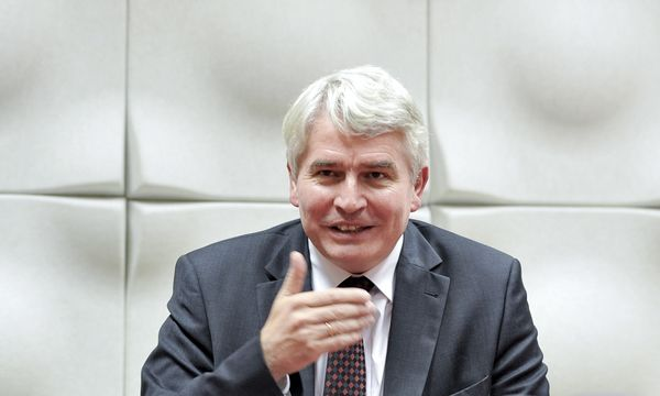 Die Unis leisten in der Flüchtlingsfrage einiges, sagt Rektorenchef Heinrich Schmidinger. / Bild: (c) APA/HERBERT NEUBAUER (HERBERT NEUBAUER)