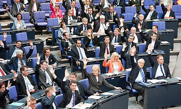Die Abgeordneten stimmten für eine Resolution, das religiöse Beschneidungen straffrei bleiben sollen. / Bild: (c) EPA