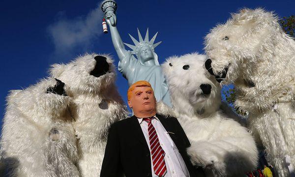 Beim Bonner Klimagipfel machen Aktivisten ihrem Unmut gegen US-Präsident Donald Trumps Klimapolitik Luft. / Bild: REUTERS