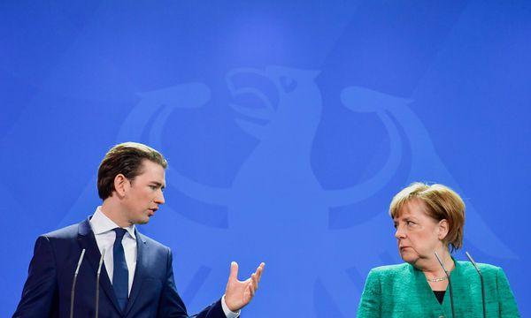 Kurz hatte ähnlich wenige Alternativen wie Angela Merkel in Deutschland. / Bild: (c) APA/AFP/JOHN MACDOUGALL