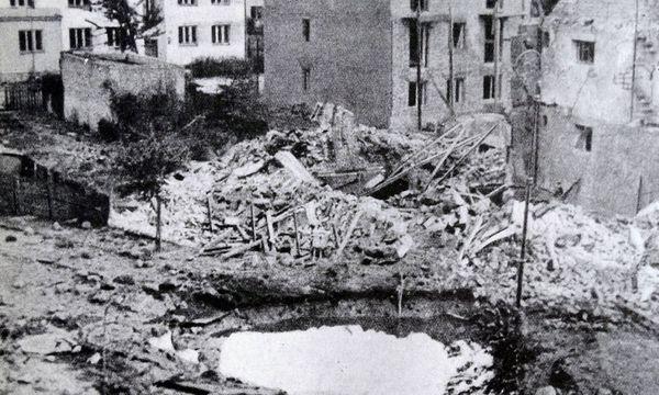 Nach Bombenanschlägen auf Warschau im Zweiten Weltkrieg / Bild: (c) imago/United Archives International (imago stock&people)