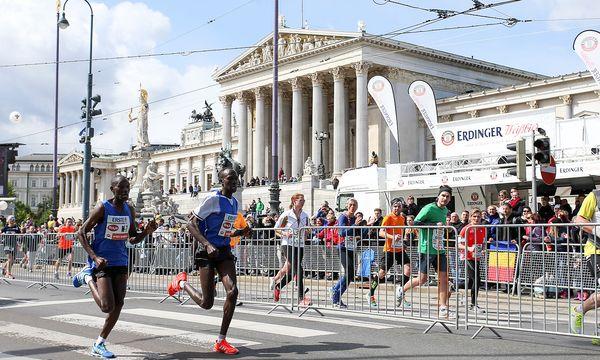 Das Ziel vor dem Burgtheater. / Bild: GEPA pictures