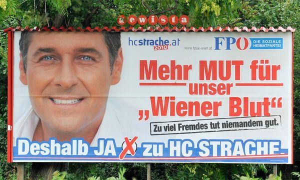 Schulbuecher FPoe sorgt sich / Bild: (c) HERBERT NEUBAUER