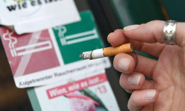 Absolutes Rauchverbot soll gekippt werden. / Bild: APA/HELMUT FOHRINGER