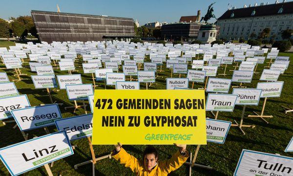 Auch wenn es in Österreich viele anders sehen: Glyphosat bleibt. / Bild: (c) Greenpeace