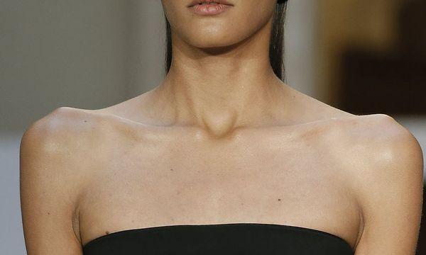 Model auf der Paris Fashion Week / Bild: REUTERS