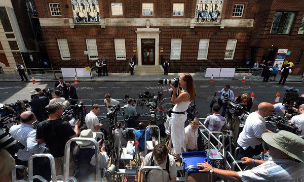 Welt blickt London / Bild: (c) EPA (ANDY RAIN)