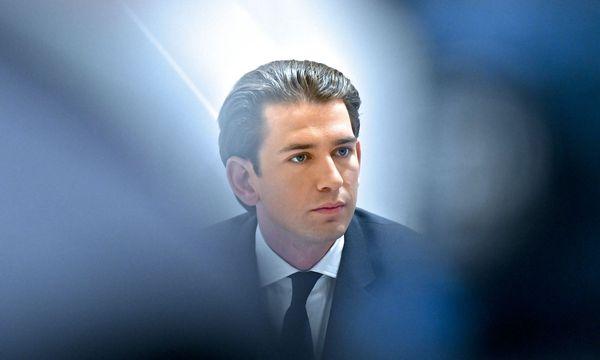 Kurz drängt auf eine Entschuldigung von Bundeskanzler Christian Kern.  / Bild: APA/HERBERT NEUBAUER