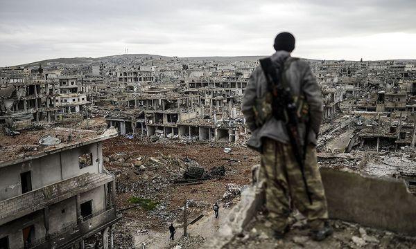 Das zerbombte Kobane. / Bild: APA/AFP/BULENT KILIC