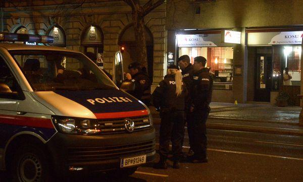 Staatsanwaltschaft ermittelt wegen mehrfachen versuchten Mordes. / Bild: APA/HERBERT PFARRHOFER