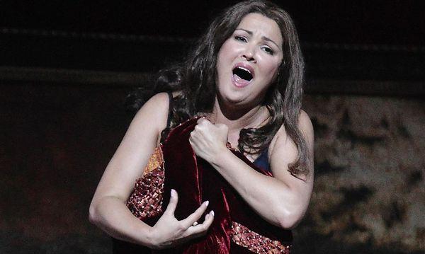 """Anna Netrebko als Leonora in Verdis """"Il trovatore"""" in Salzburg. / Bild: (c) REUTERS (HEINZ-PETER BADER)"""