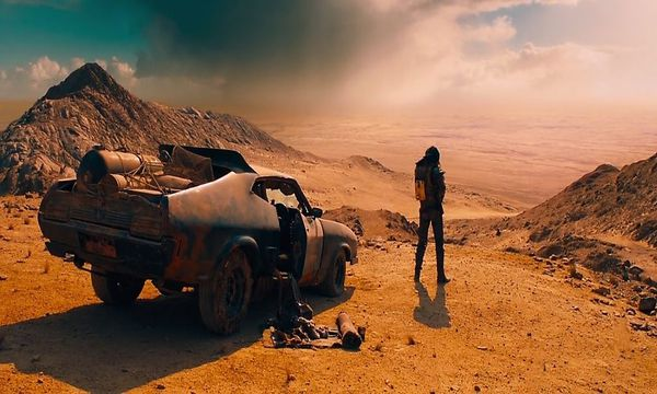 "Flucht durch die rostrote Postapokalypse: ""Mad Max: Fury Road""  / Bild: Village Roadshow Pictures"
