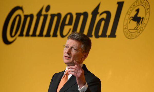 Conti-Boss Elmar Degenhart deutet Aufwärtstrend an. / Bild: (c) dpa/Arne Dedert