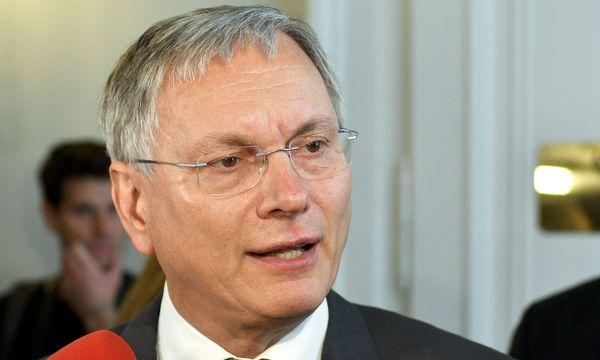 Sozialminister Alois Stöger: deutlich mehr offene Stellen / Bild: APA/HERBERT NEUBAUER
