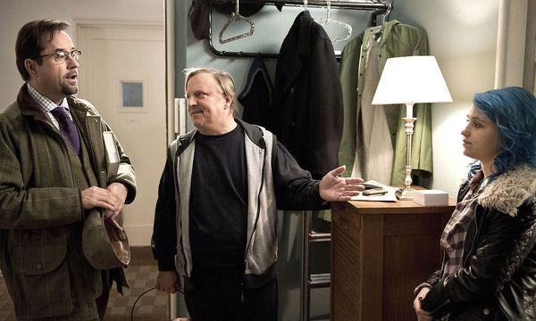 Boerne (l.) und Thiel machen Bekanntschaft mit Leila, die glaubt, Thiels Tochter zu sein. / Bild: (c) WDR/Martin Menke