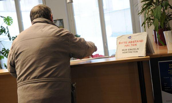 Symbolbild: Arbeitssuchender beim AMS / Bild: (c) Clemens Fabry (Presse)