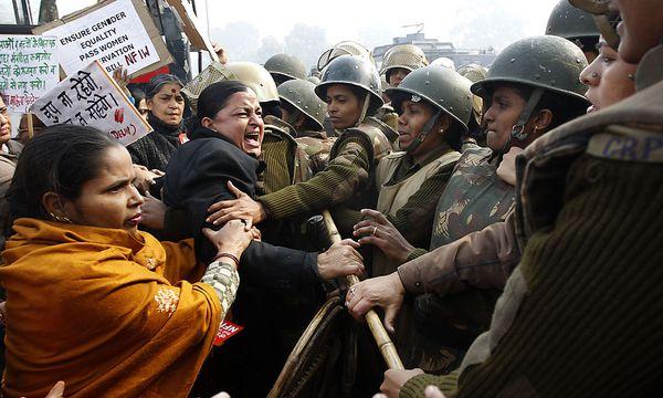 Protest in Neu Delhi / Bild: AP