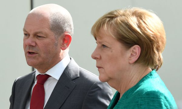 Kanzlerin Angela Merkel (CDU) und Vizekanzler-Kandidat Scholz (SPD) / Bild: REUTERS
