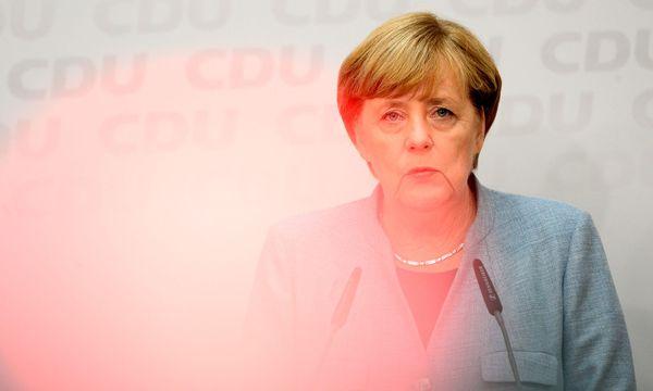 Die CDU-Kanzlerin will mit der SPD trotz deren Koalitionsabsage das Gespräch suchen.   / Bild: (c) APA/dpa/Gregor Fischer