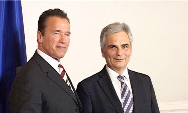 Schwarzenegger als Umweltschützer in Wien / Bild: RCA