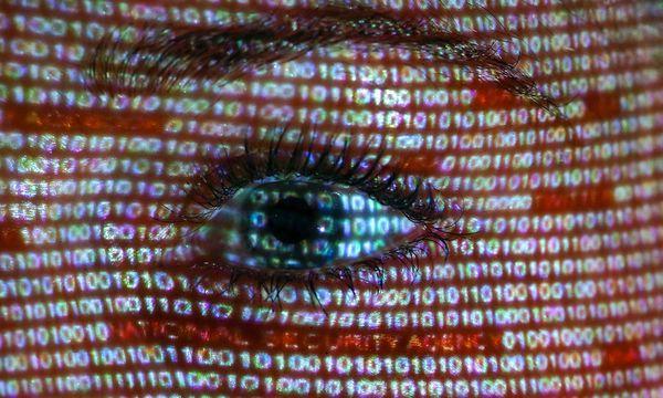 Cyber-Expertin: