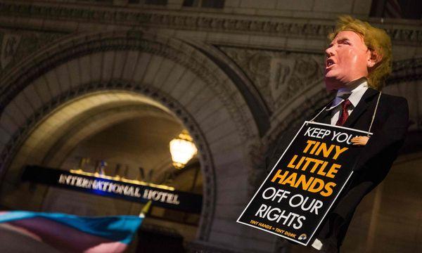 Proteste gegen den Einreisebann / Bild: APA/AFP/ZACH GIBSON