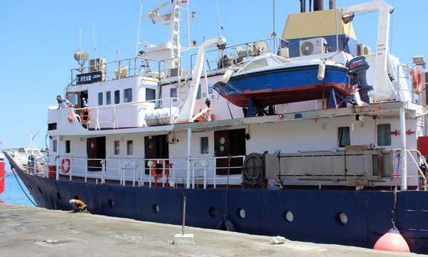 """Das Schiff """"C-Star"""" der Identitären. / Bild: (c) APA/AFP/STRINGER (STRINGER)"""