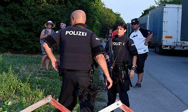 Polizisten am Donauinselfest hätten der angegriffenen Frau geholfen (Symbolfoto) / Bild: APA/HERBERT P. OCZERET