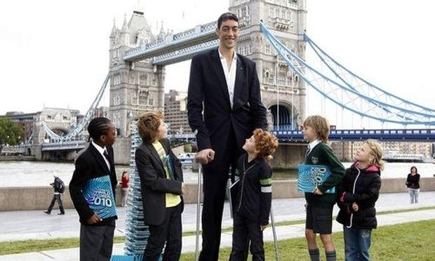 Türke Mit 247 Meter Offiziell Größter Mensch Der Welt Diepressecom