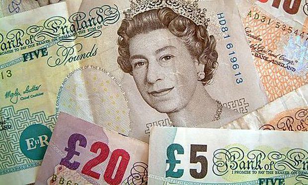 Englische Pfundnoten werden in Lewes abgelöst