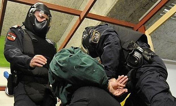 EINSATZTRAININGSAUSBILDUNG DER WIENER POLIZEI