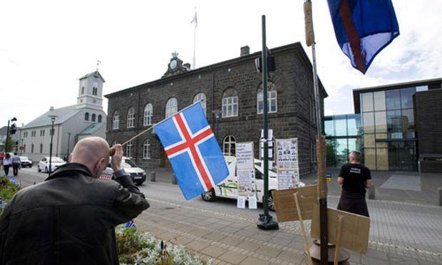 Referendum Island Schulden Zinsen