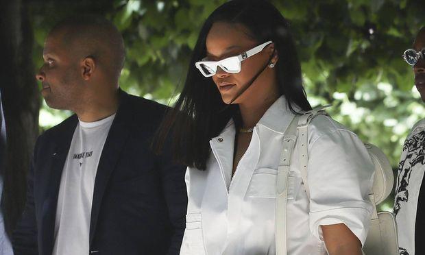 Rihanna CELEBRITES Defile Louis Vuitton Paris Fashion Week 21 06 2018 GwendolineLeGoff Panoram / Bild: (c) imago/PanoramiC (Gwendoline Le Goff)