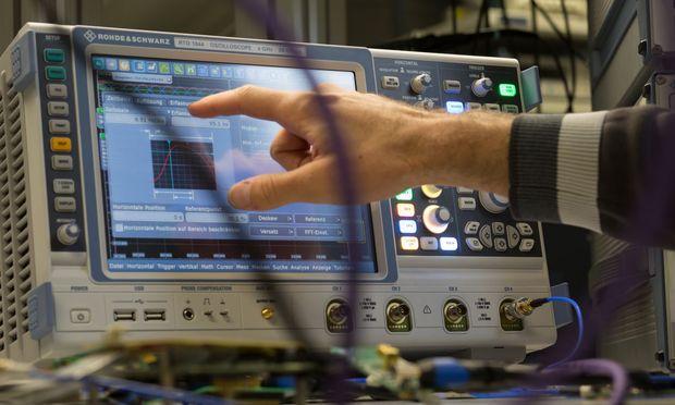 IT- und Telekommunikations-Know-how ist in der Wirtschaft sehr gefragt.