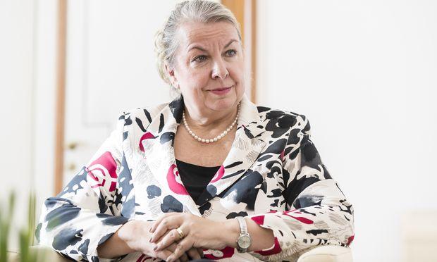Der Gesundheitspolitik wegen zur FPÖ: Ministerin Beate Hartinger-Klein.