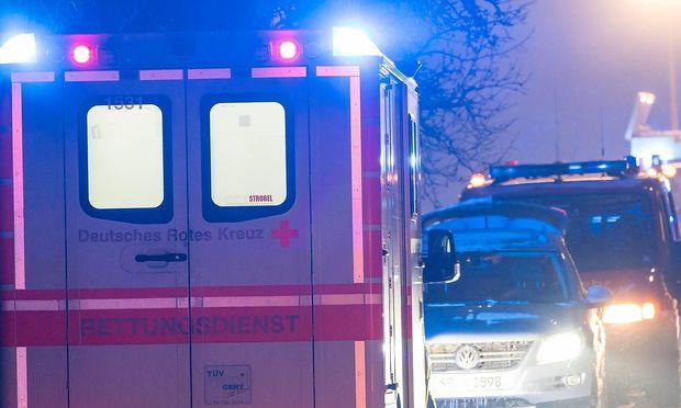 Unbekannte übergießen 51-Jährigen mit Säure - Täter auf der Flucht